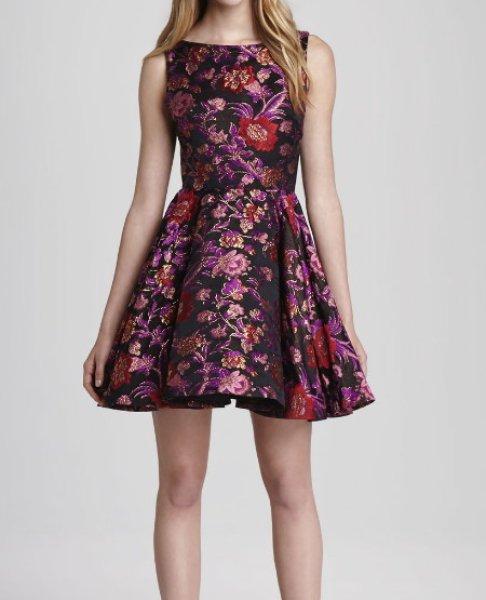 画像1: 【テイラースウィフト愛用】Alice + Olivia   Foss Fit-and-Flare Dress  (1)