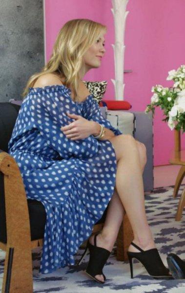 画像1: 【カーリークロス愛用】Diane von Furstenberg ダイアンフォンファステンバーグ Camila Off-Shoulder Silk Dress ブルー系 (1)