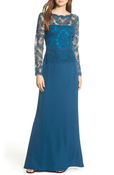 画像1: 期間限定セール!Tadashi Shoji タダシショージ  Lace & Crepe Long Sleeve Evening Gown ブルー系 (1)