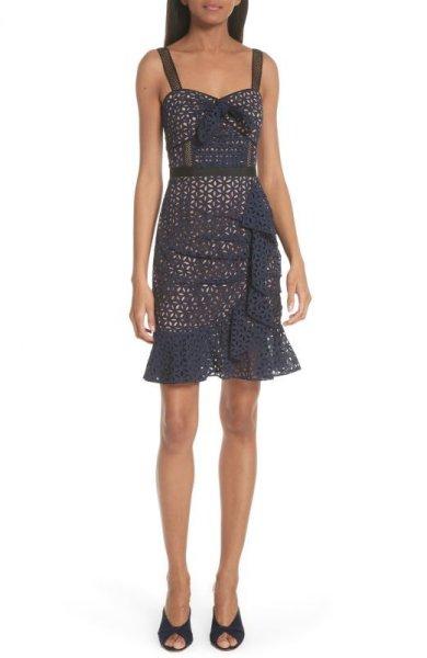 画像1: 【Carissa Loethen Culiner着用】Self Portrait セルフポートレート Knot Front Broderie Anglaise Dress (1)